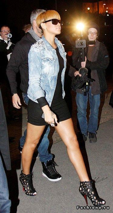 Джинсовая куртка - тренд сезона / с чем носить джинсовую куртку