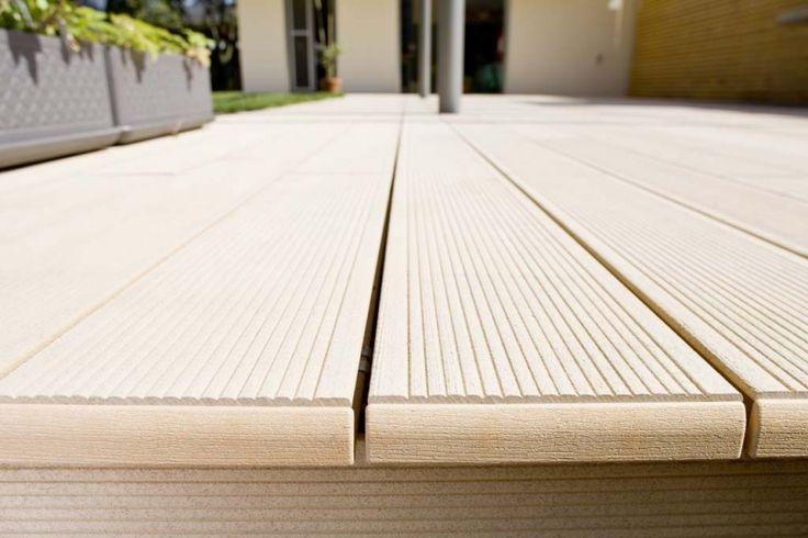 Decor terasa deck Relazzo Rehau 3 Deck terase exterioare piscine de cea ma buna calitate, stabilitate dimensionala, rezistenta la intemperii, efort minim pentru inretinere si durata lunga de viata