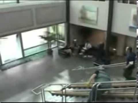 Giant Wire Spool Accident - Funny Videos, Funny Video Clips, Funny Movies, Viral Videos.flv - http://movies.chitte.rs/giant-wire-spool-accident-funny-videos-funny-video-clips-funny-movies-viral-videos-flv/