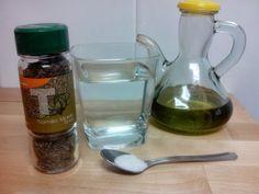 REMEDIO CASERO CONTRA LA TOS SECA E IRRITATIVA Parece ser que tenemos oleada de resfriados. No se si os acordáis pero, hace un tiempo os puse una receta de un jarabe para los resfriados, sobre todo los que tenían que ver con mucosidad, bronquitis y demás (ANTIBIÓTICO NATURAL)...... http://compartendos.blogspot.com.es/2014/03/remedio-casero-contra-la-tos-seca-e.html