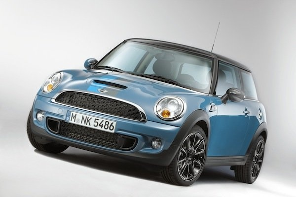 Sporty and agile, the chic new MINI Bayswater is a 2012 Exclusive Design Model that draws inspiration from the fashionable borough of London that bears its namesake.Mini Coopers, Minis Dog Qu, Bayswater Special, Cars, Minis Bakers, Minis Cooper, Minis Bayswater, Cooper Bayswater, 2012 Minis