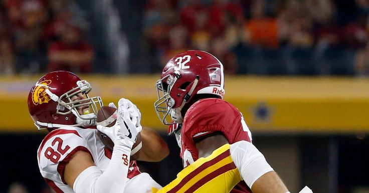 Top-Ranked Alabama Begins Its Title Defense by Routing No. 20 Southern California