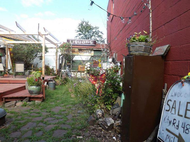 jumble-stone yard;