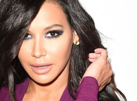 """""""Naya Rivera said it's a white people thing to shower daily"""" http://www.examiner.com/article/naya-rivera-said-it-s-a-white-people-thing-to-shower-daily"""