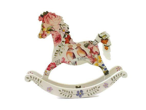 Cheval à bascule pépinière décoration bébé douche cadeau cheval à bascule en bois souvenir cheval à bascule jouet en bois les figures en bois jouets de bébé souvenir