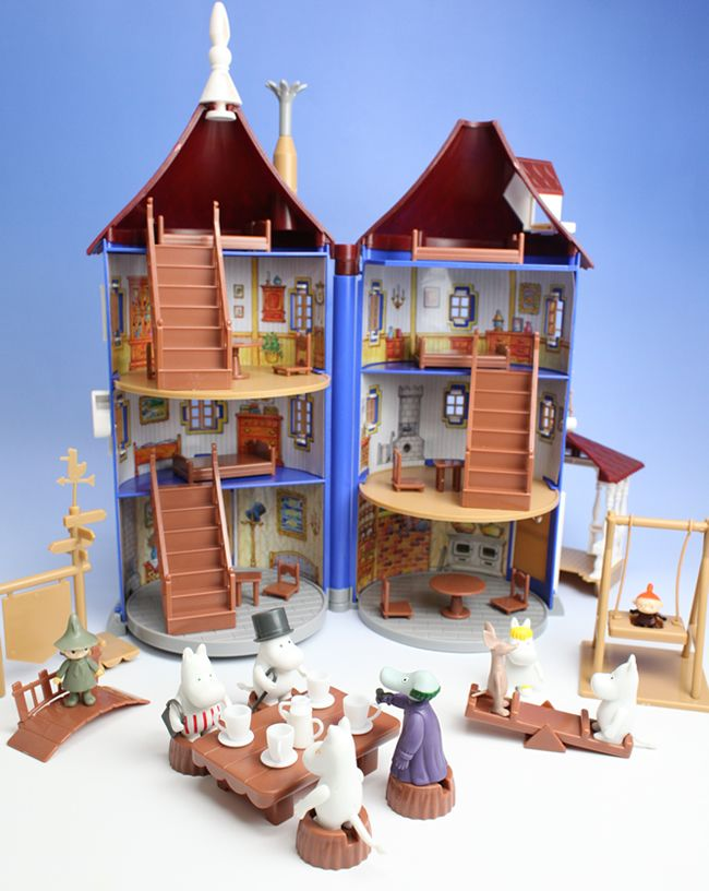 My all time favourite toy: Moomin Doll House