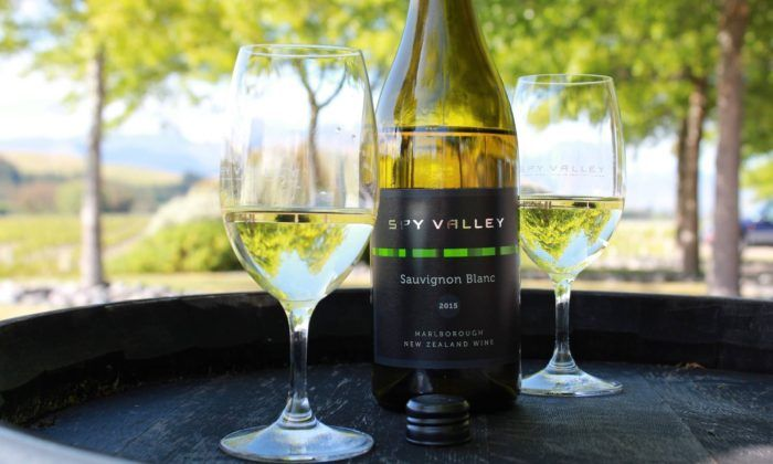 Described as 'impossible to ignore', Spy Valley's wine has demanded global attention, so join us with European Ambassador, Tony Cloke and discover the very best of New Zealand wines.Fruit-driven in ...
