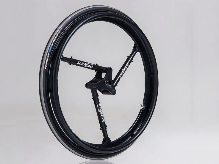 一本10万はちょっと高価過ぎ。10分の1だったら頑張って贈答品にしたいが…。  車椅子の乗り心地を変えた「ショックを吸収するホイール」 «  WIRED.jp