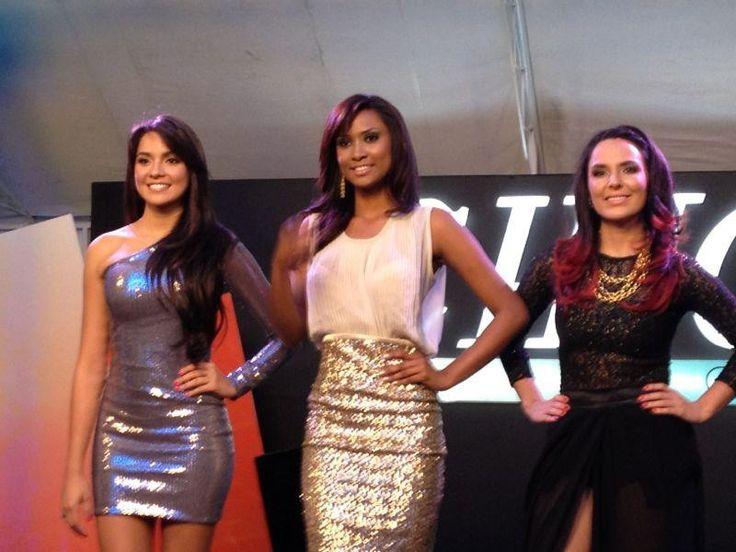 Las tres finalistas, durante el día de la premiación de Chica E! Colombia 2012.