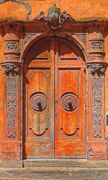 San Gimignano, Siena, Italy. Beautiful old doors :-)