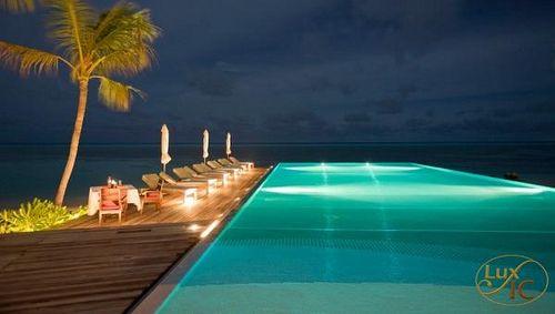 Main Pool - Resort