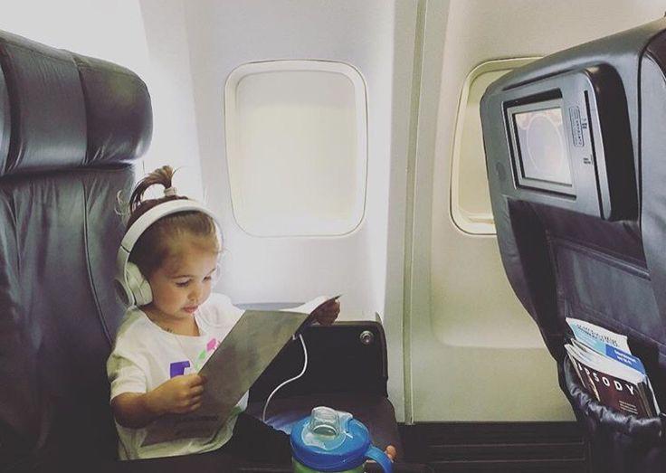 Jessie James Decker baby girl Vivi reading safety institutions