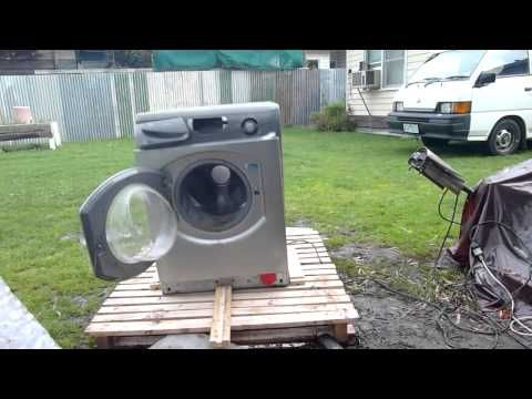 Hotpoint Washer Tears Itself Apart - Grand Final Day Entertainment / gets crazy after 1:25