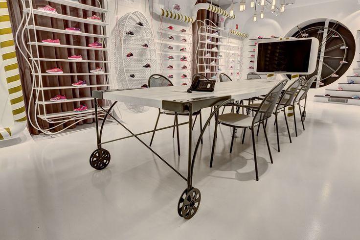 Skechers TR - Kids Showroom - Picture gallery
