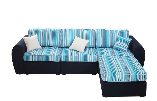 Ce superbe canapé d'angle modulable saura vous ravir si vous aimez un style à la fois moderne et raffiné.
