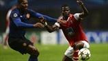Antonio Valencia (Manchester United FC) & Elderson (SC Braga)   Braga 1-3 Man. United. 07.11.12.