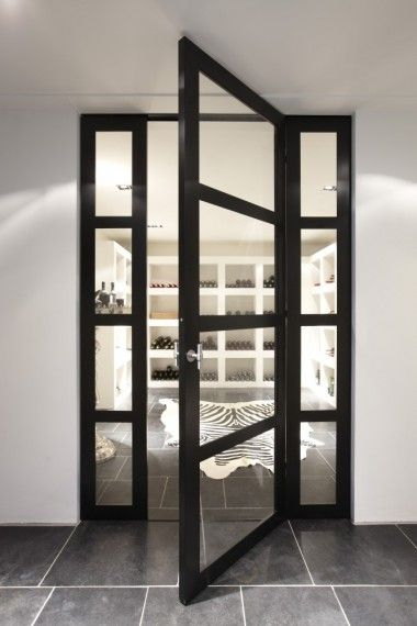 The Bod'or KTM collection constitutes a range of unique doors, from basic to iconic, completed with a choice from various opening and closing systems, plus the right trimmings, and high-quality locks and hinges.