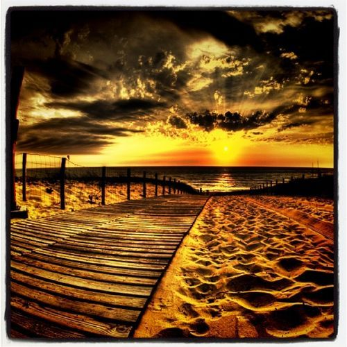 SunsetsIncredibles Sunsets, Beach Sunsets, At The Beach, Beautiful Sunsets, Sunsets So, Sunrise Sunsets, Beach Sunset Pictures, Sunsets 3, Sunset Beach Pictures