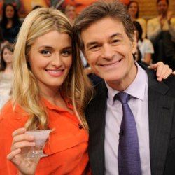 Watch: Dr. Oz With His Daughter 'Daphne Oz' And Granddaughter 'Philomena'  Daphne Oz shares some of the best practical advice for healthy eating and happy living - See more at: http://dr-oz.com/dr-oz-with-his-daughter-daphne-oz-and-granddaughter-philomena