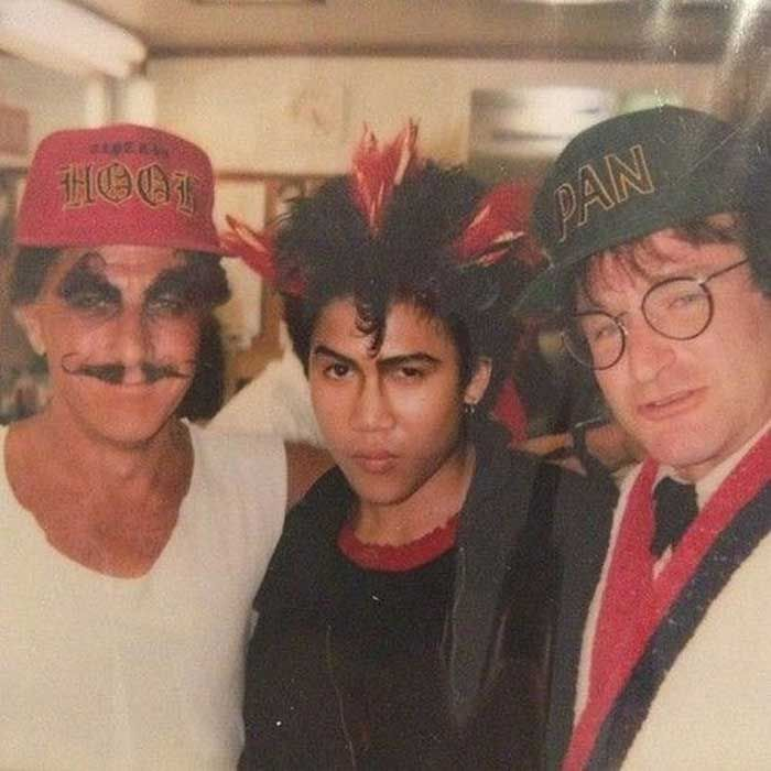 Dustin Hoffman Dante Basco and Robin Williams on the set of Hook | Rare and beautiful celebrity photos