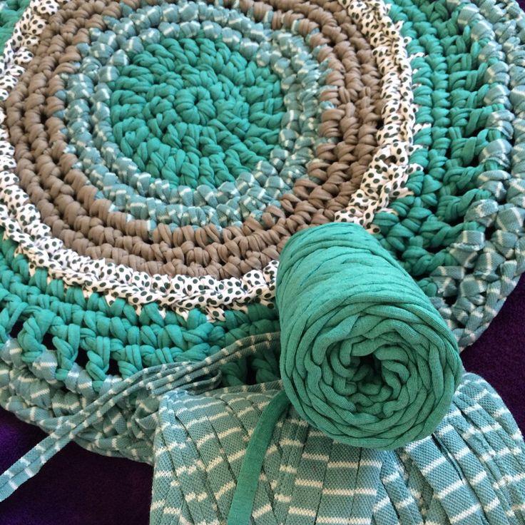 Crochet rug 50cm  30 €