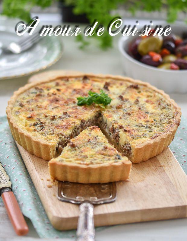 tarte à la viande hachée, minced meat tart ( quiche)