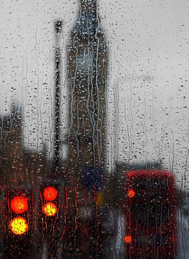 A rainy day in London By: Julian Reimer
