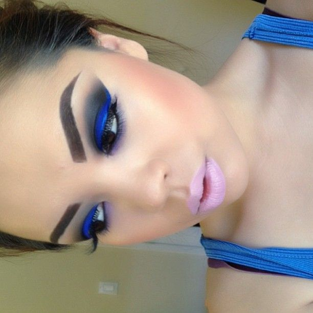 Bold blue eyes and light pink lips Love!
