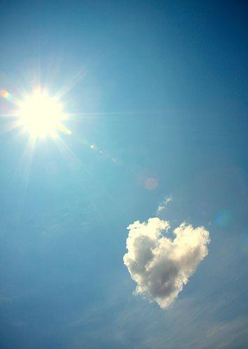 Sun and hearts: Heart Happy, Blue Sky, Trav'Lin Lights, Love Is, Valentines Day, Beautiful Sky, Heart Cloud, Cloud Heart, Happy Valentines