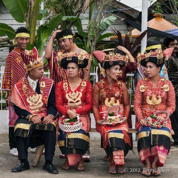 Belewan and Batak (Karo) people - allenfotowild