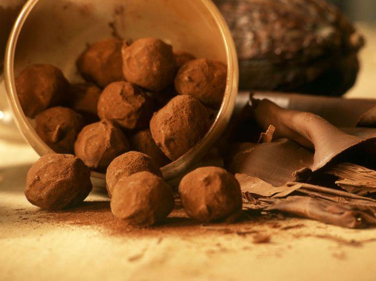 Avec les lectrices reporter de Femme Actuelle, découvrez les recettes de cuisine des internautes : La vraie recette des truffes de Jean-Paul Hévin
