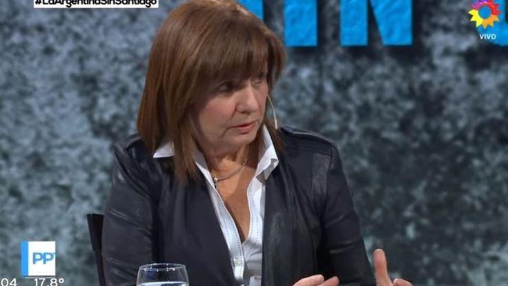 El ministra de Seguridad de La Nación, Patricia Bullrich, confirmó esta noche que el gobierno está analizando los movimientos de 7 gendarmes por la desaparición de Santiago Maldonado, tal como adelantó Clarín. Se trata de un giro que ahora pone sospechas sobre el rol de la fuerza.   #GENDARMERÍA #PATRICIA BULLRICH