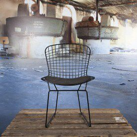 Bertoia Eetkamerstoel-Draadstoel Wit Met Wit Kussen. Meer een binnenstorm. Vintagelab