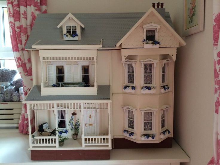 Collectors dolls house and contents   eBay