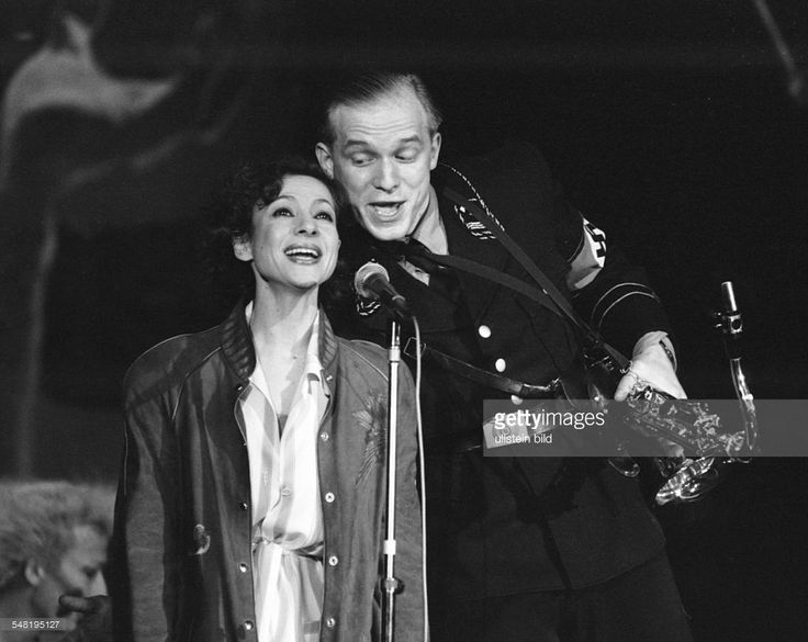 Esther Zaied) - Singer, Actress, Israel - and Ulrich Tukur (r) at the play 'Ghetto' by Joshua Sobol, directed by Peter Zadek Deutsches Schauspielhaus HAmburg
