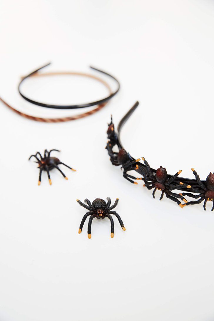 3 Easy Halloween DIYs You Can Make With Fake Spiders