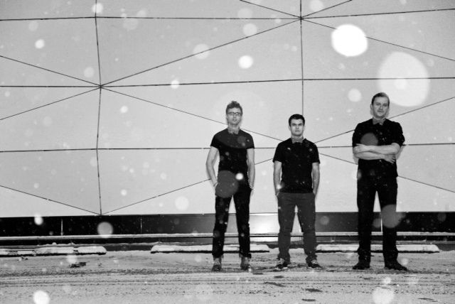RGG Trio- Since the year 2001 the RGG trio has been more and more idenified with the European taste of improvised music, performed by the piano trio. The team consists of: Łukasz Ojdana – piano, Maciej Garbowski – bass and Krzysztof Gradziuk – drums.