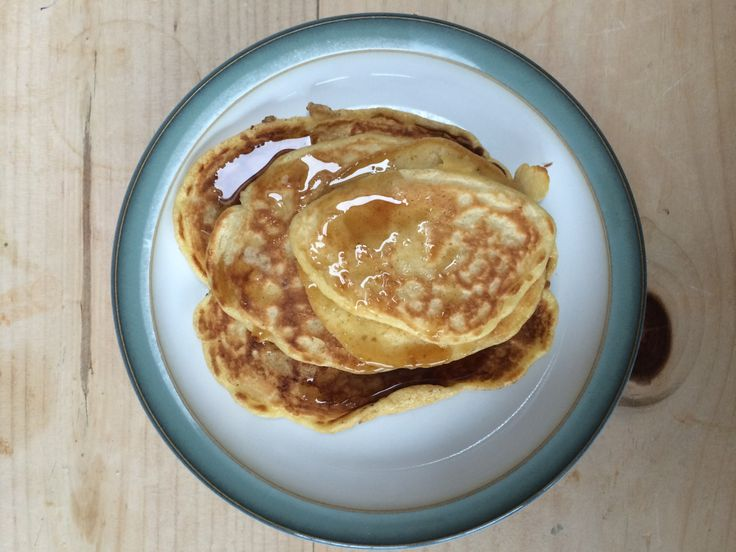 Hallowe'en is always the perfect night for a sleepover and pancakes are the perfect sleepover breakfast. This is Jamie Oliver's pancake recipe that can be found in Tanya Bakes. INGREDIE…
