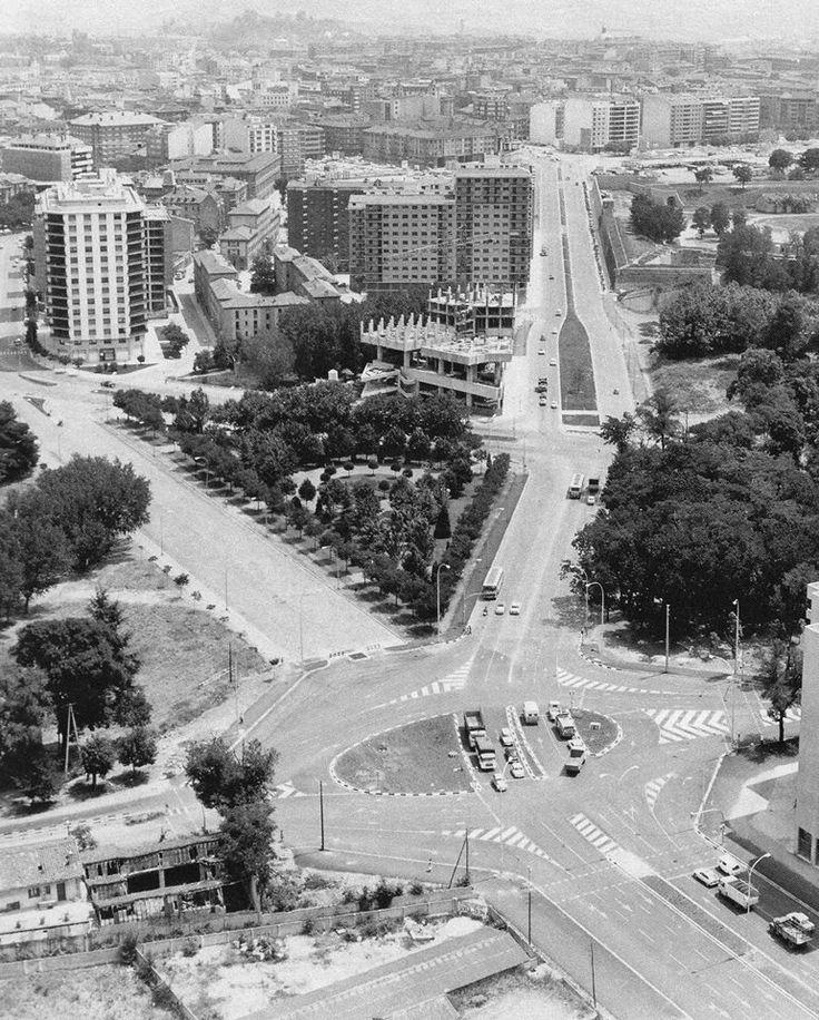 1973 edificio singular en construcci n fotograf a - Edificio singular pamplona ...