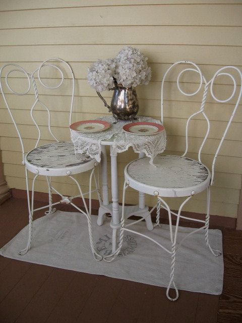 Shabby Chic Ice Cream Parlor Chairs Set of 4 white by Fannypippin