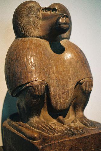 冥界の神の書記として「心臓の計量の儀式」で天秤を任されとったトト神
