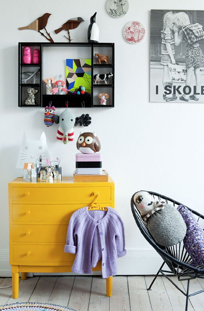 @laurabelue I like the yellow chest of drawers, and it would be a good changing table!