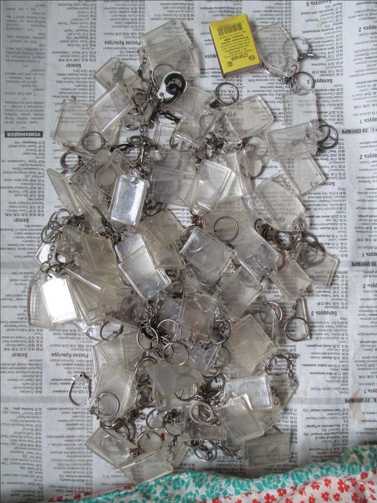 Брелок из банкнот СССР 10 и 25 руб, сделай сам. (4/6) Для тех, кто умеет или хочет научиться делать самому полезные вещи своими руками, которые качеством не будут уступать промышленным. Фурнитура и заготовки для брелков, различные кольца для ключей,дырокол, смотрите фотографии (подробнее фото здесь https://fotki.yandex.ru/users/d-maksimau2013/album/1456302/ ).