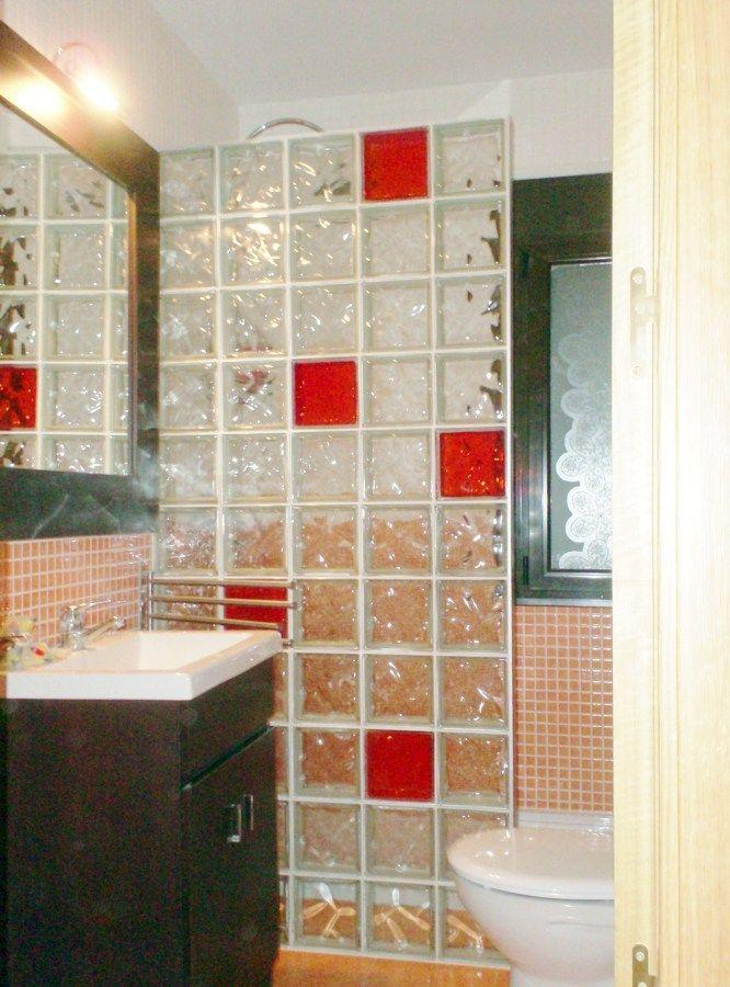 M s de 25 ideas incre bles sobre duchas de vidrio en for Revestimiento de banos con guardas