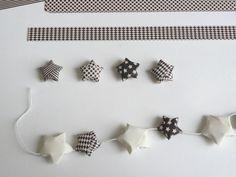 Les étoiles en origami sont de jolis éléments de décoration pour toute l'année. Vous pouvez les utiliser comme déco de table sur le même principe que les