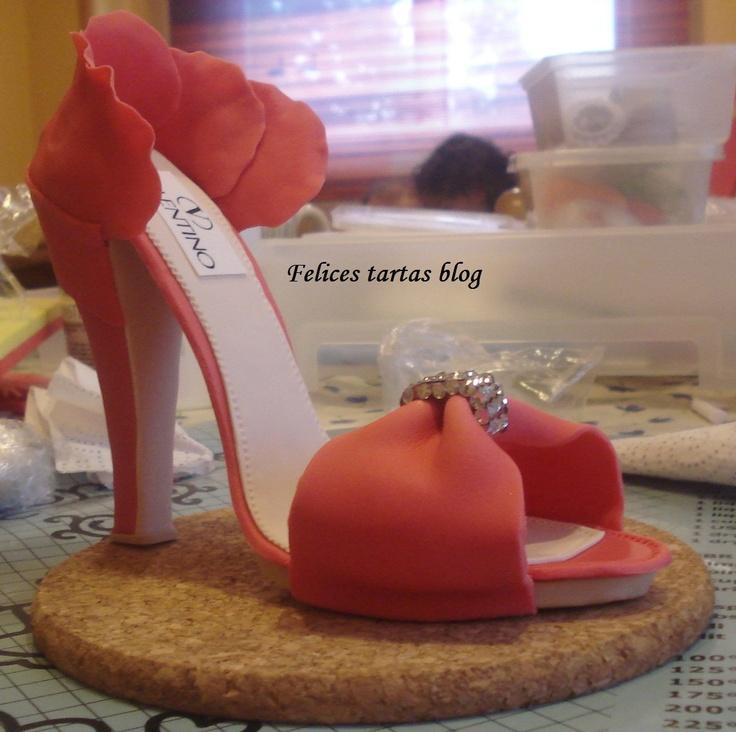 Felices tartas: Paso a paso de zapato en pasta de goma