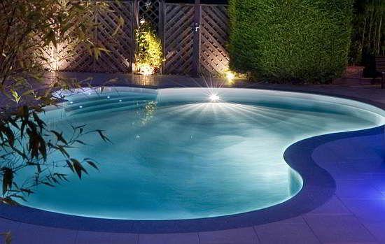 Piscinas em Goiânia:  Construção de piscina de fibra, vinil, pastilha, alvenaria, reforma, produtos, aquecedor solar, capas térmica, proteção.