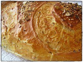 Ma egy rozsos-magos kenyeret sütöttem, megmondom őszintén, én jobban szeretem a magok miatt. Szintén Rigó Katalin receptjét vette...