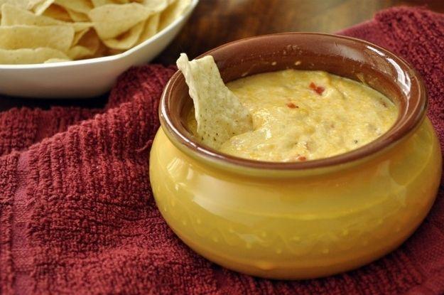 Molho de Queijo Pepper Jack e Pimentão Doce | 25 molhos de queijo que vão fazer você desmaiar