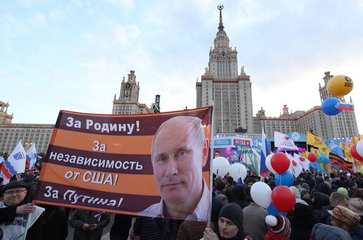 «Весна» наВоробьевых горах: третья годовщина Крыма. Водной фотографии — Meduza